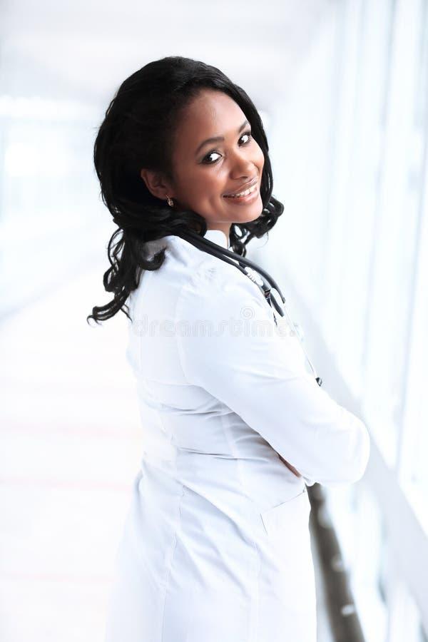 Pediátrico femenino afroamericano hermoso fotografía de archivo libre de regalías