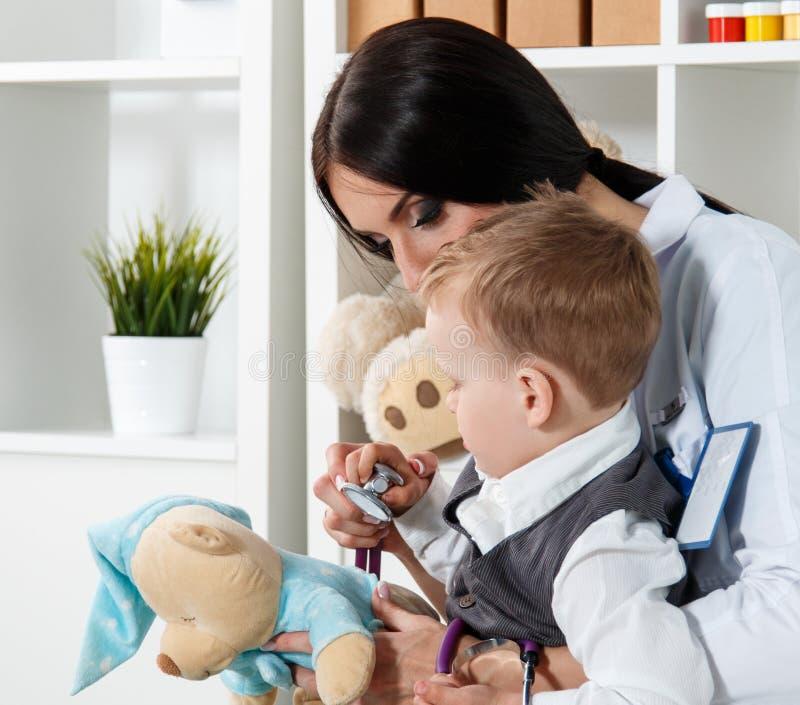 Pediatrie medisch concept royalty-vrije stock foto's