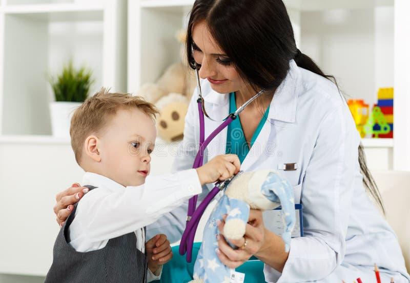 Pediatrie medisch concept stock foto