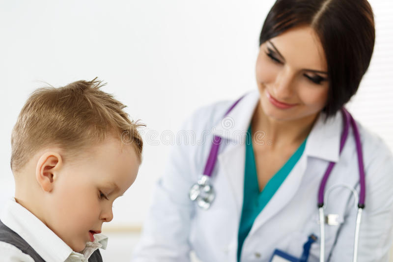 Pediatrie medisch concept stock foto's