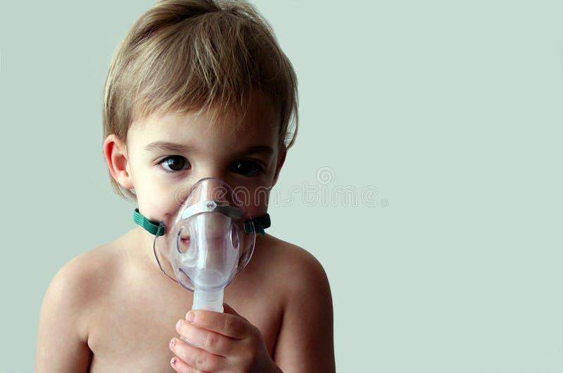 pediatrisk behandling för 6 nebulizer royaltyfri bild