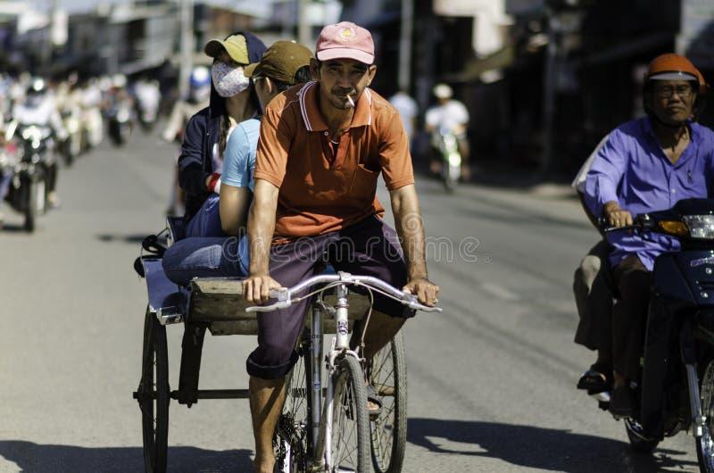 Pedicab gezeichnet durch Fahrrad, Vietnam stockbild