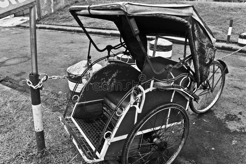 Pedicab, un véhicule traditionnel de trois roues d'Indonésie photographie stock