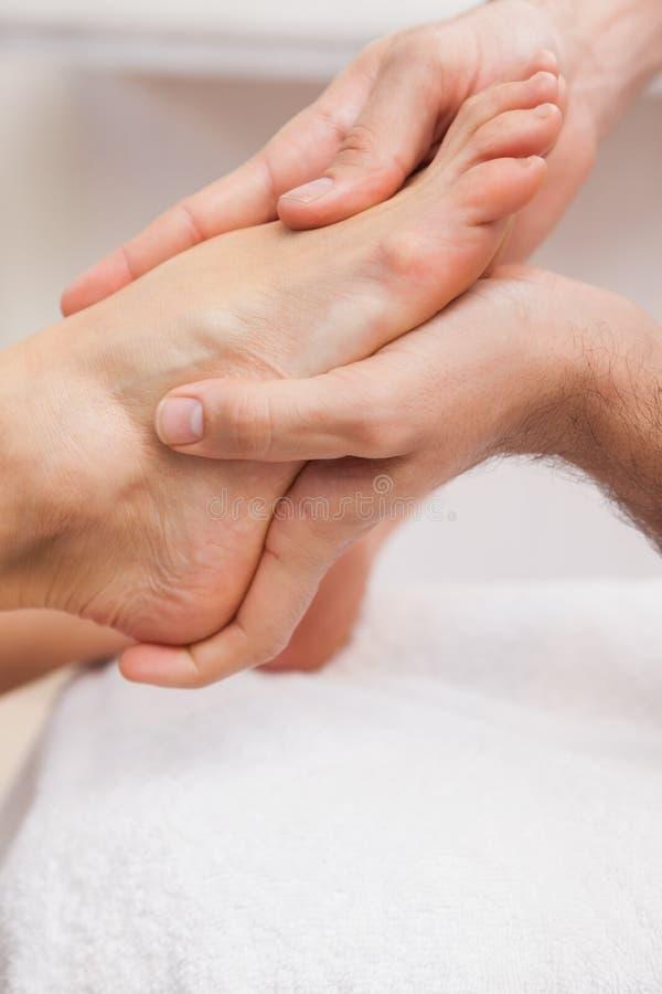 Pedicure masseren klantenvoeten royalty-vrije stock foto