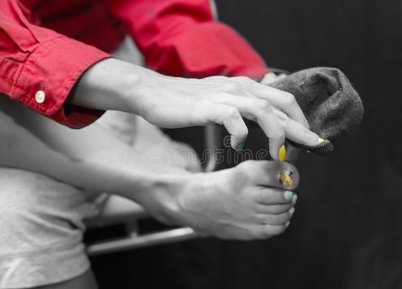 Pedicured和被修剪的手指 免版税库存图片