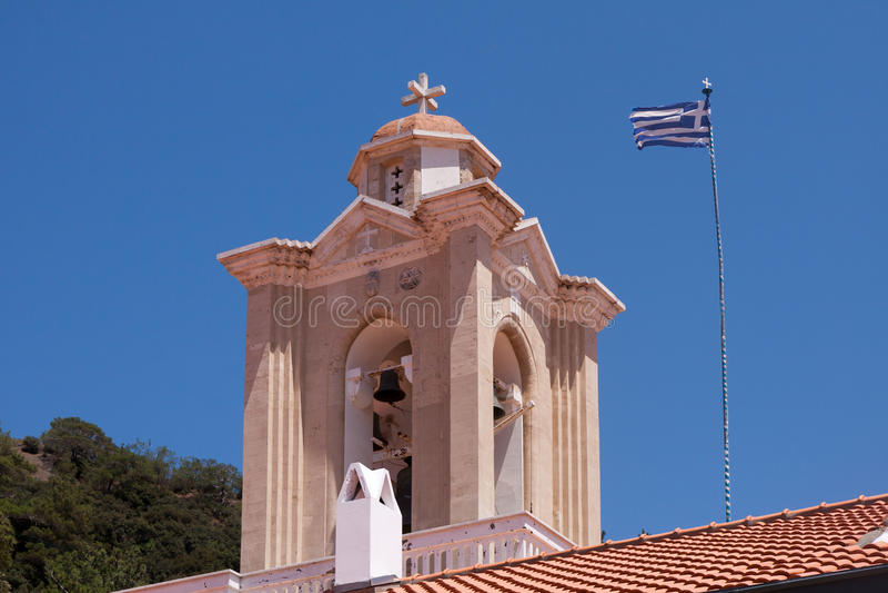 PEDOULAS CYPRUS/GREECE - JULI 21: Kykkos kloster nära Pedoul royaltyfri foto
