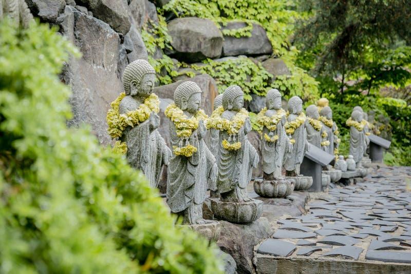 Pedra budista no templo fotos de stock