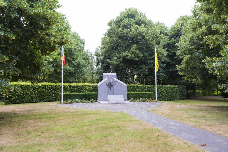 Pedra comemorativa do túmulo dedicada às tropas caídas de Bélgica fotografia de stock royalty free