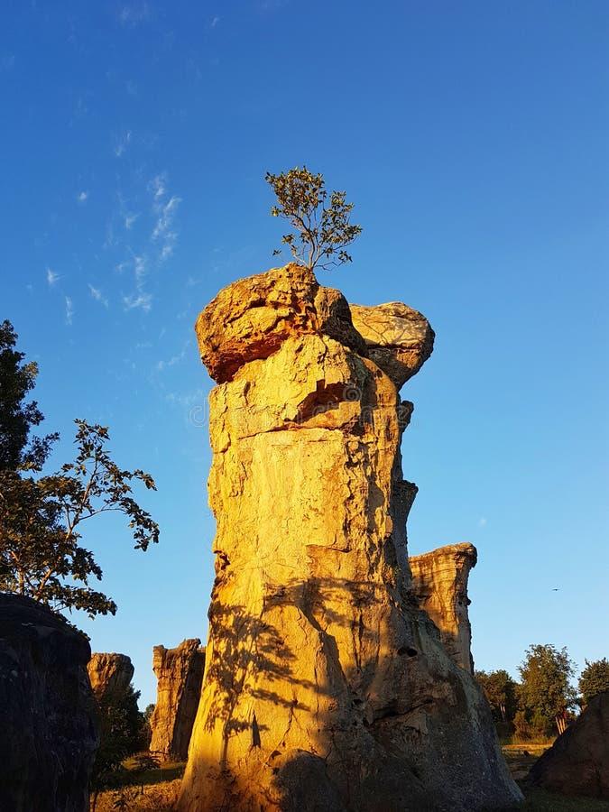 Pedra em ANSR HIN KHAOW CHAIYAPHUM na manhã Ele ` s Stoneheng fotografia de stock