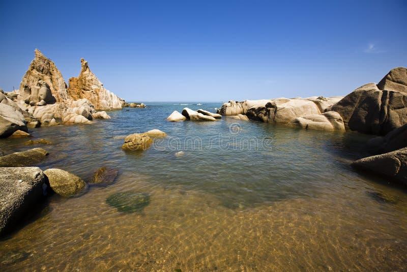 Pedra na praia fotos de stock royalty free