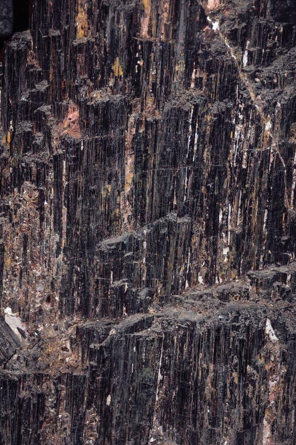 Pedra semipreciosa da tormalina negra fotos de stock royalty free