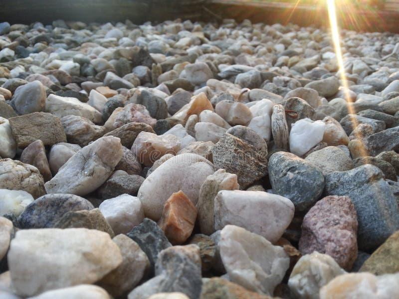 Pedras com luz do sol fotografia de stock