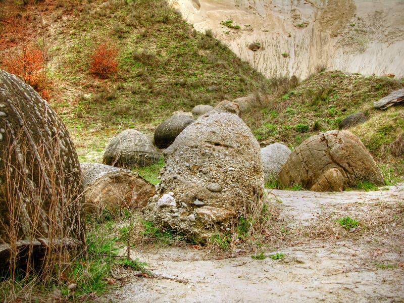 Pedras da geologia Carpathian fotografia de stock
