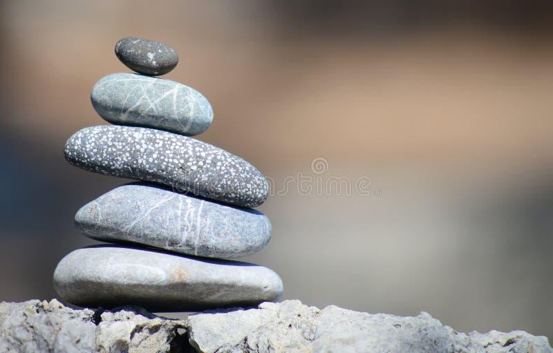 Pedras de equilíbrio do seixo imagens de stock