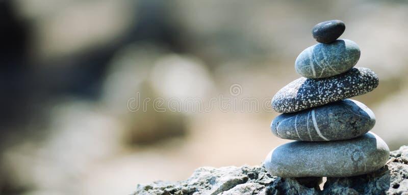 Pedras de equilíbrio do seixo fotos de stock royalty free