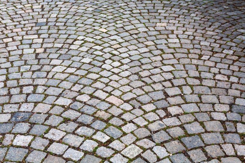 Pedras de pavimentação do granito em Praga fotos de stock
