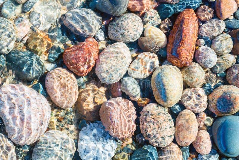 Pedras do Lago Superior no ponto do peixe branco imagem de stock