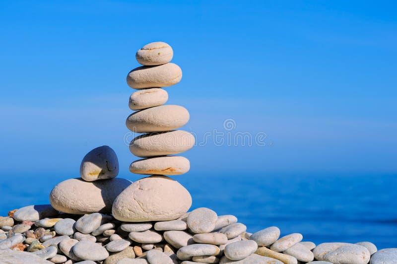 Download Pedras dos termas foto de stock. Imagem de empilhado - 26510846