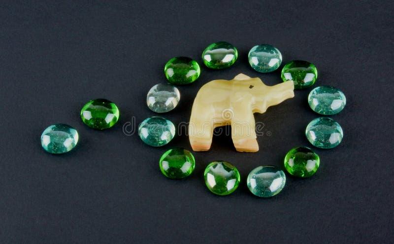 Pedras e elefante de vidro do onyx imagem de stock royalty free