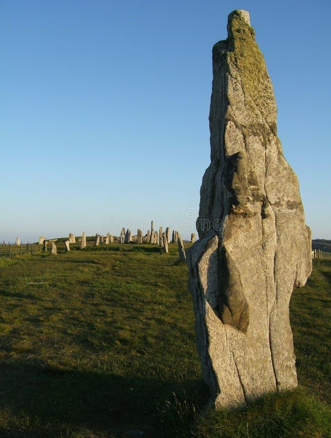 Pedras eretas de Callanish na luz macia da noite fotografia de stock