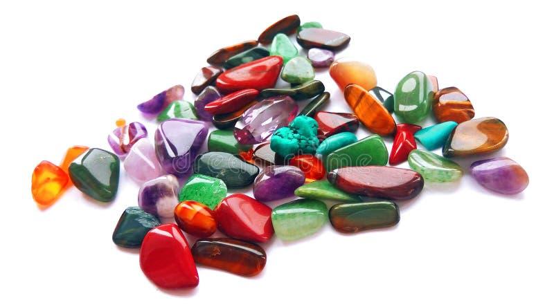 Pedras preciosas semi preciosas coloridas brilhantes naturais sortidos e gemas imagens de stock royalty free