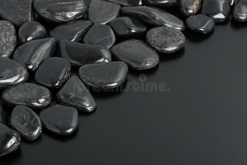 Pedras pretas fotografia de stock