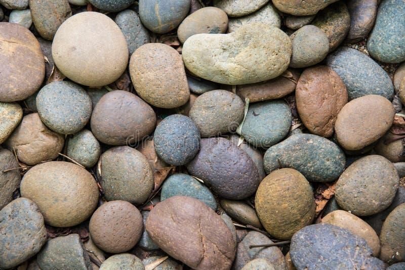 Pedras redondas do seixo fotos de stock