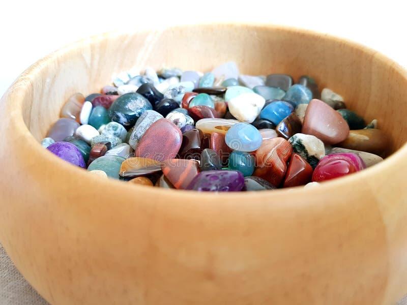 Pedras semipreciosas coloridas imagem de stock