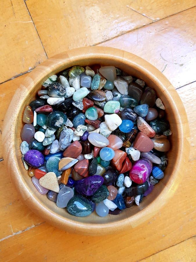 Pedras semipreciosas coloridas imagens de stock royalty free