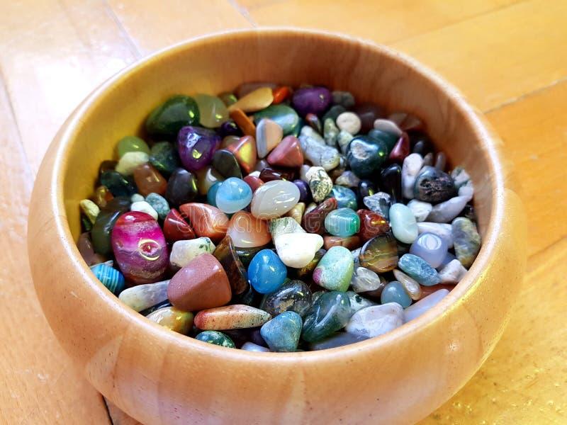 Pedras semipreciosas coloridas fotos de stock royalty free