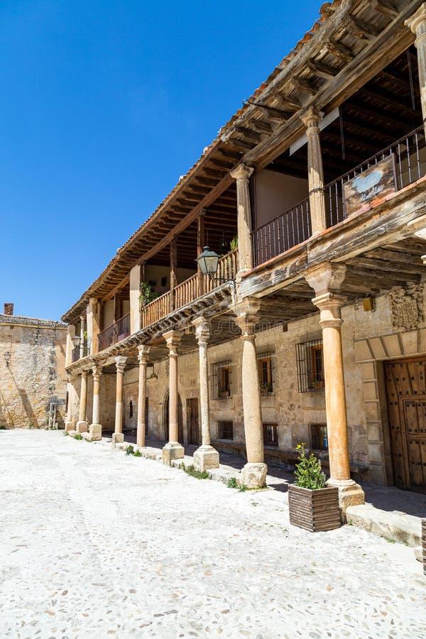 Pedraza, Castilla Y Le?n, Espa?a: Alcalde de la plaza por una ma?ana de la primavera fotos de archivo libres de regalías