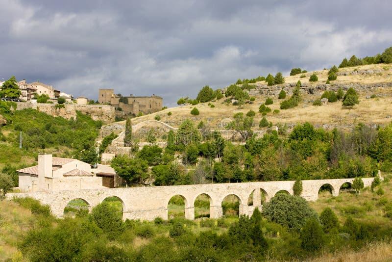 pedraza för akveduktde-la toppig bergskedja arkivbilder