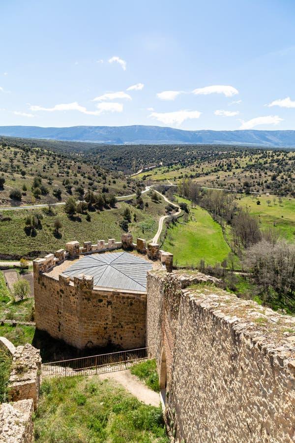 Pedraza, Kastilien Y Leon, Spanien: Ansicht vom mirador in Calle de la Cuestas lizenzfreie stockfotos