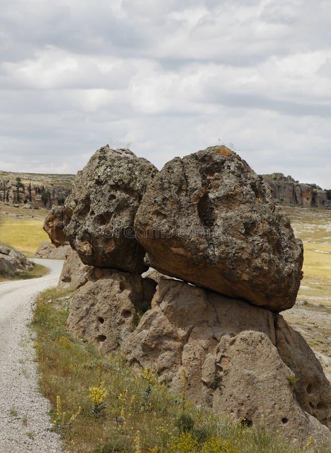 Pedregulho vulcânico da lava balançado em outro imagem de stock royalty free