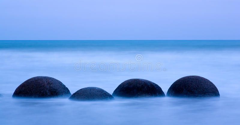 Pedregulhos de Moeraki imagens de stock royalty free