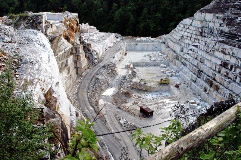 Pedreira do mármore branco, Romania fotografia de stock royalty free