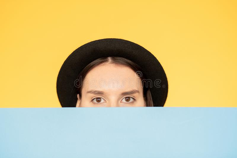peeking royalty-vrije stock foto's