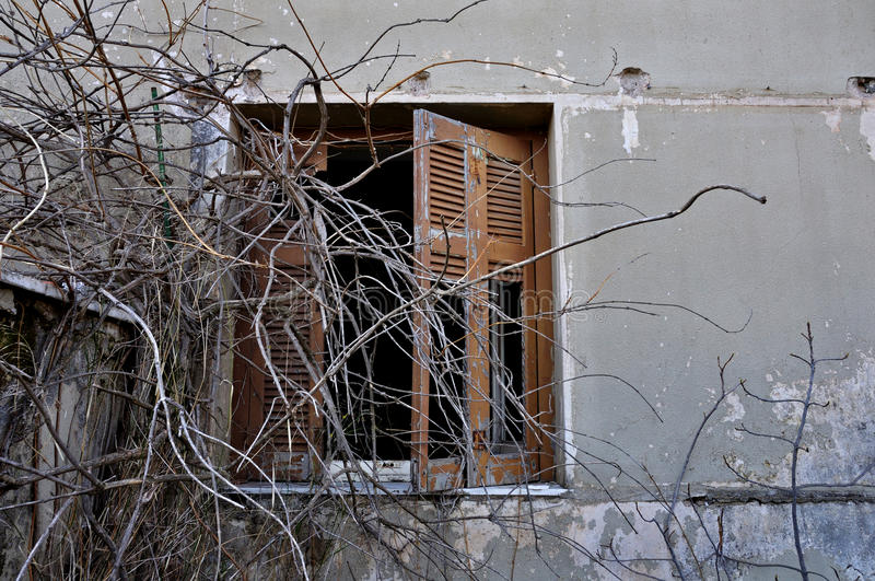 Download Peeling Wall And Broken Window Shutter Stock Photo - Image: 26313032