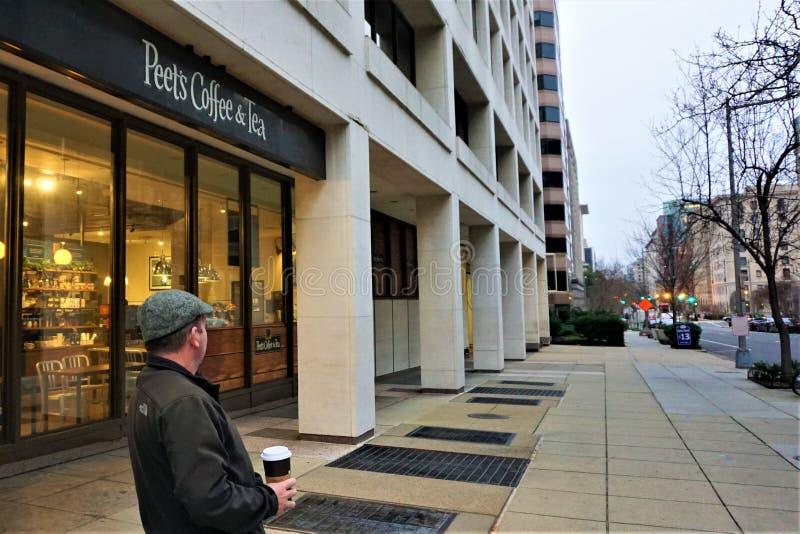 Peets Washington D C einzelner Kunde während der Regierungsabschaltung stockfotos