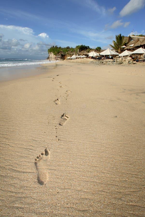 Pegadas, Dreamland, Bali imagens de stock