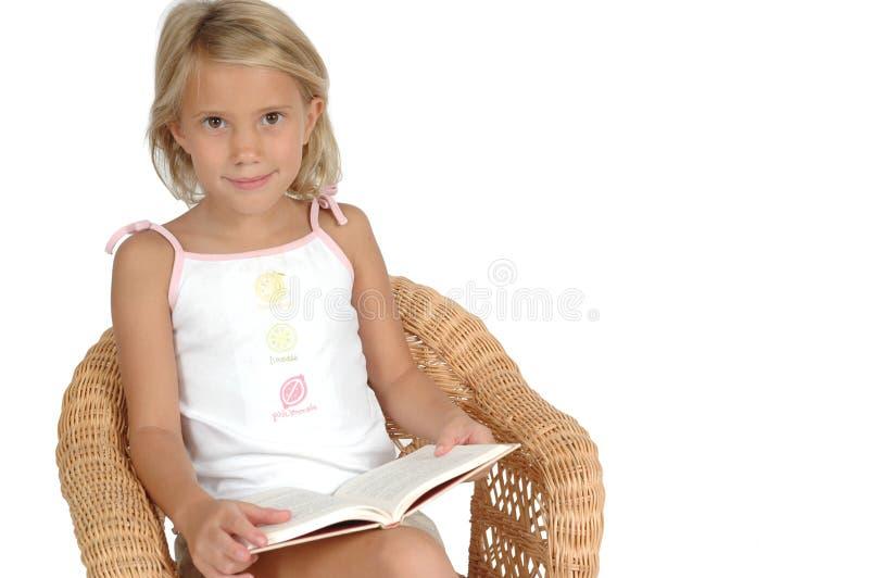 Pegare um livro imagem de stock royalty free