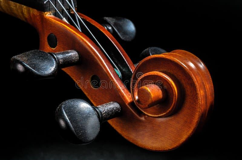 Pegbox de violon et détail de défilement image stock