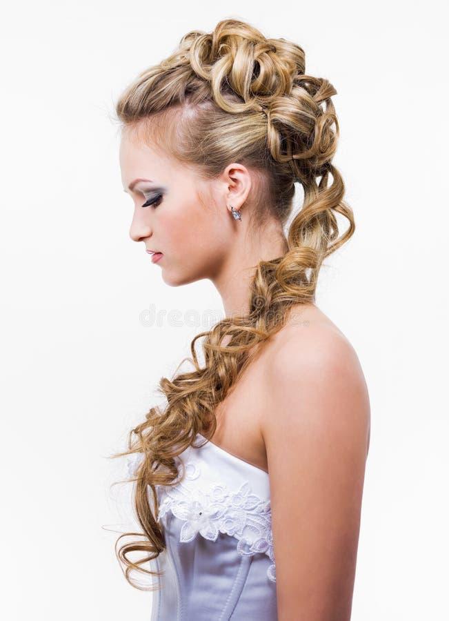Peinado con estilo de la boda fotos de archivo