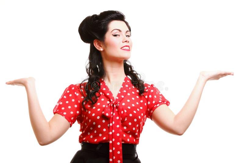 Download Peinado Del Maquillaje Del Contacto-para Arriba De La Mujer Que Presenta En Estudio Foto de archivo - Imagen de persona, negro: 44855374