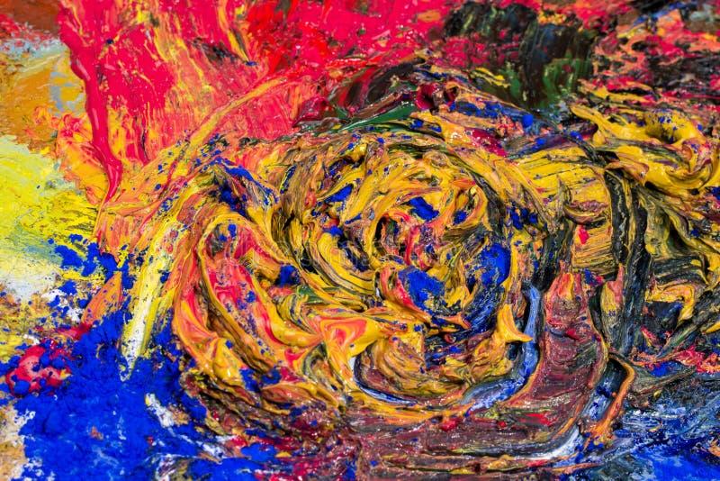 Peinture à l'huile colorée écrasée avec des colorants de poudre photo libre de droits
