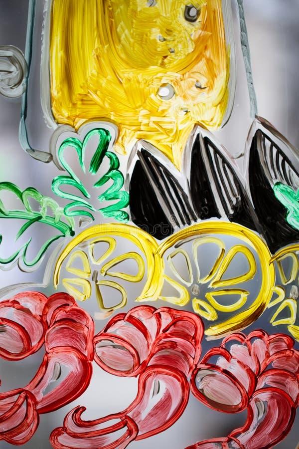 Peinture colorée sur un verre images libres de droits