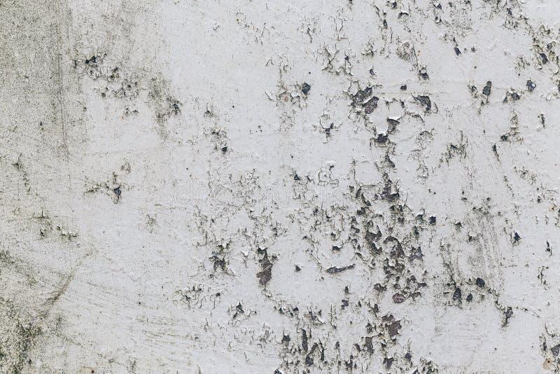 Peinture d'épluchage sur le panneau rouillé en métal photo stock