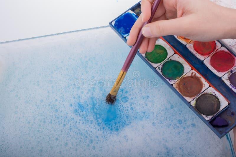 Download Peinture D'aquarelle Se Dissolvant Dans L'eau Image stock - Image du bleu, liquide: 87700111