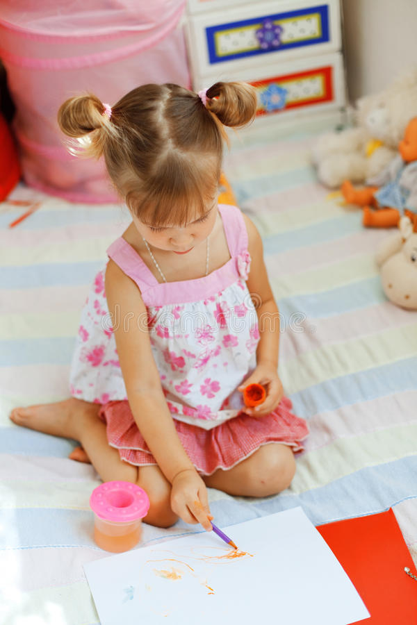 Peinture d'enfant photo stock
