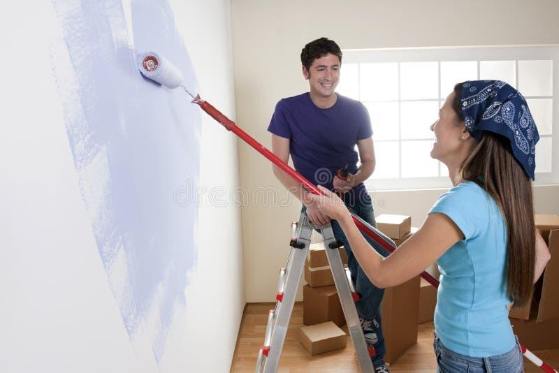 peinture de la maison neuve photo stock image du caucasien angle 17246392. Black Bedroom Furniture Sets. Home Design Ideas
